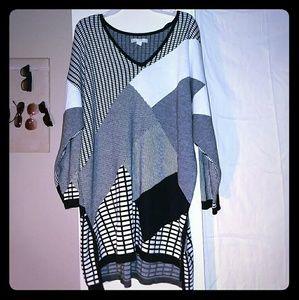Dress B&W /long-sleeeved & patterned